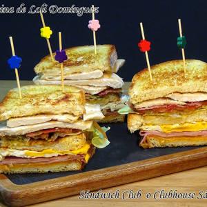 Sándwich Club o Clubhouse Sándwich (Sándwich de pollo)