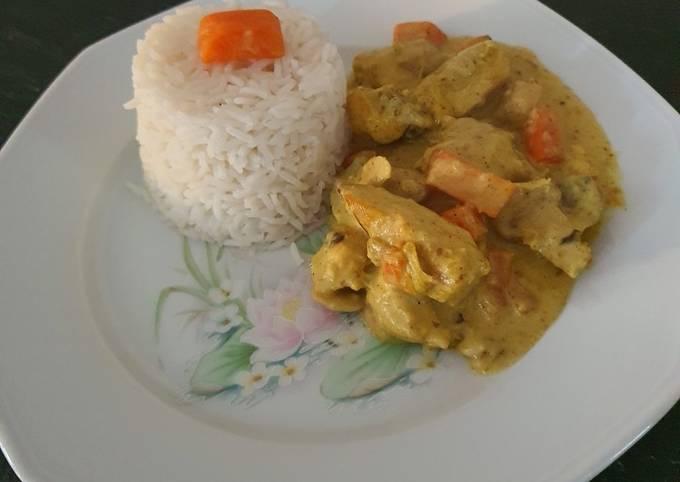 Poulet avec carottes et champignons à la crème curry au cookeo