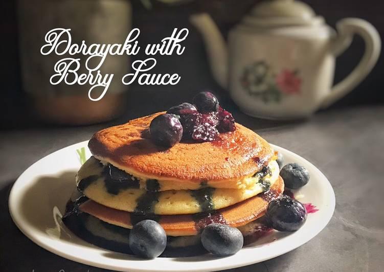 Dorayaki with Berry Sauce - resepipouler.com