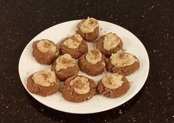 Chocolate Shrtbread Cookies Filled with Caramel Buttercream