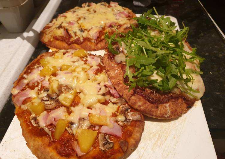How to Make Any-night-of-the-week Naan bread pizzas