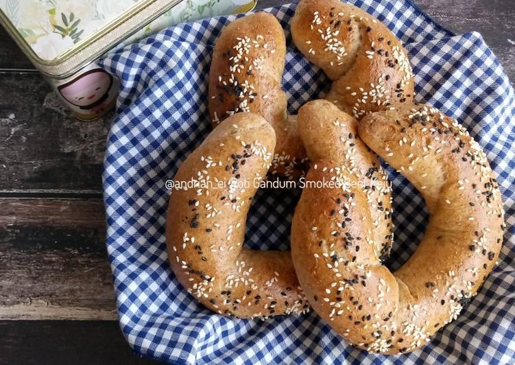 Roti Gandum Smoked Beef Keju (Dough dengan Olive Oil)