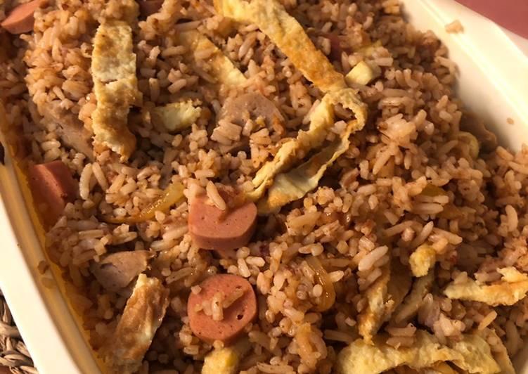 Nasi goreng bumbu rendang