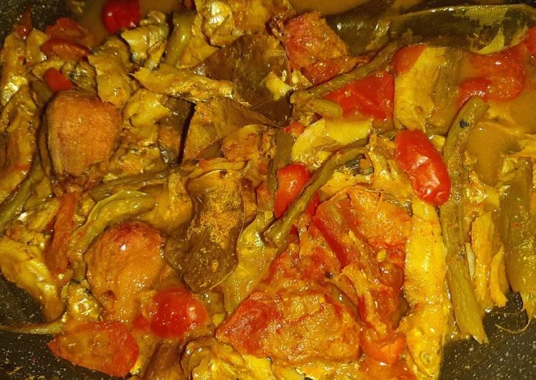 Ikan Teri segar bumbu kuning tomat (nikmatttt)