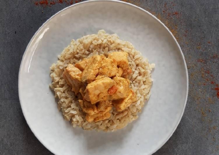 Recette Délicieux Curry de saumon, lait de coco & yogourt