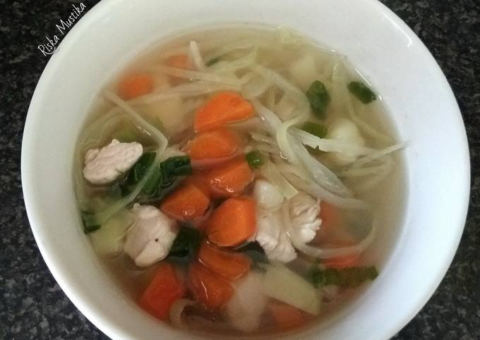 Chicken Soup (Indonesian Style)