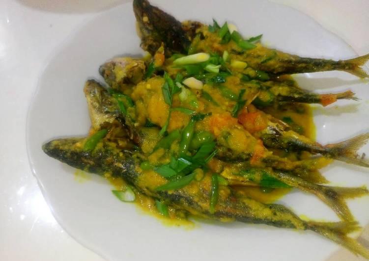 Ikan Dencis Bumbu Kuning Cabe Rawit