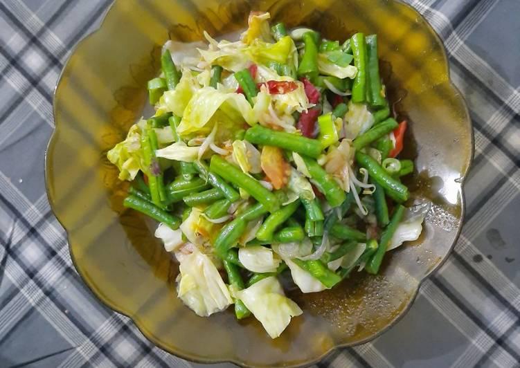 Resep Tumis sayur cangkol (kacang panjang dan kol) Yang Gampang Pasti Enak