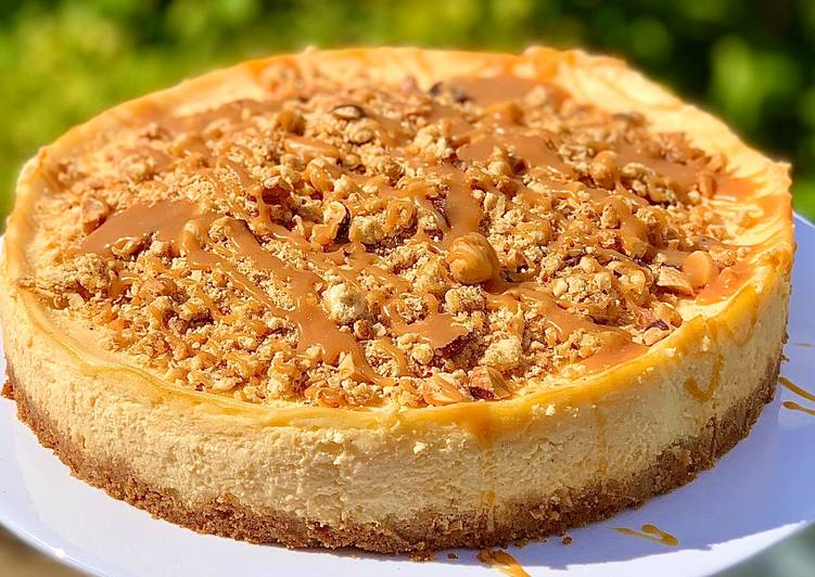 Steps to Make Perfect Apple Crumble Cheesecake