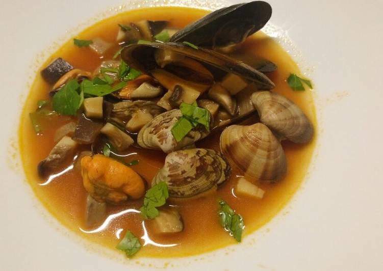 Recipe of Homemade Zuppa mare e monti sea and mountain soup