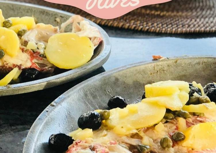 Steps to Prepare Perfect Whole Baked Fish with potatoes and olives