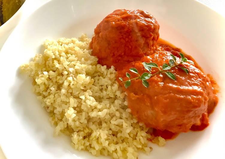 Pieczone pulpety z kaszą jaglaną w sosie z pieczonej papryki i pomidorów 🍅🌶 główne zdjęcie przepisu