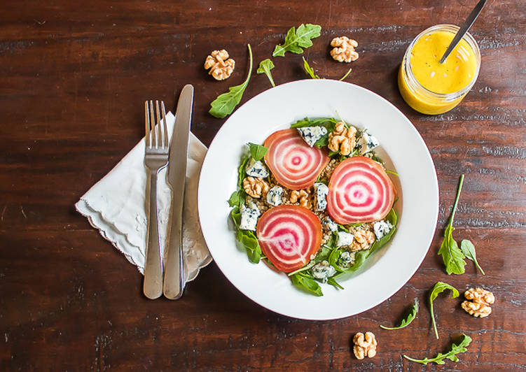 Chioggia beet salad with quinoa and blue cheese