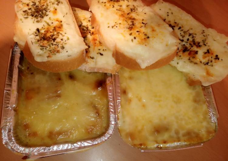 Sopa de cebolla en MC con tostas de queso
