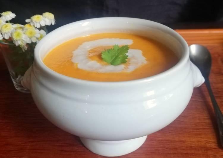 Recette Délicieuse Soupe de carotte, curry et lait de coco