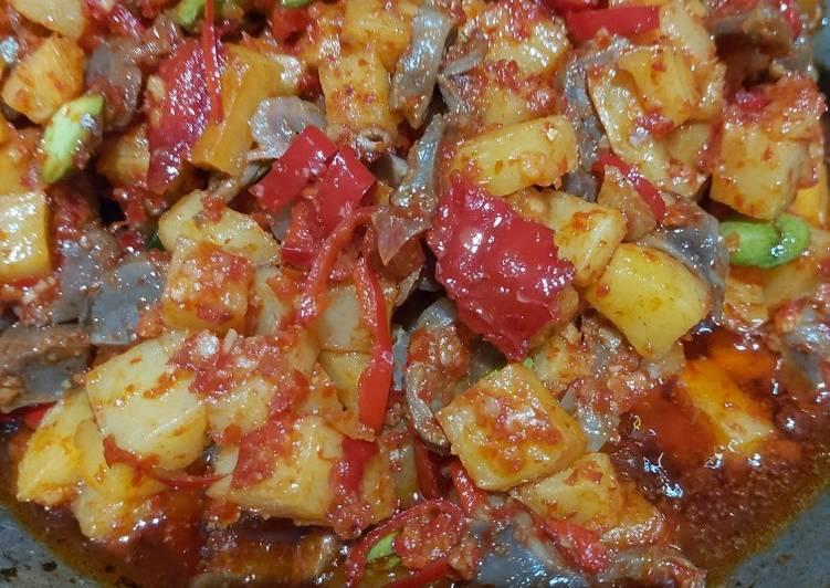 Langkah-Langkah Membuat Sambel goreng kentang ampela Anti Gagal