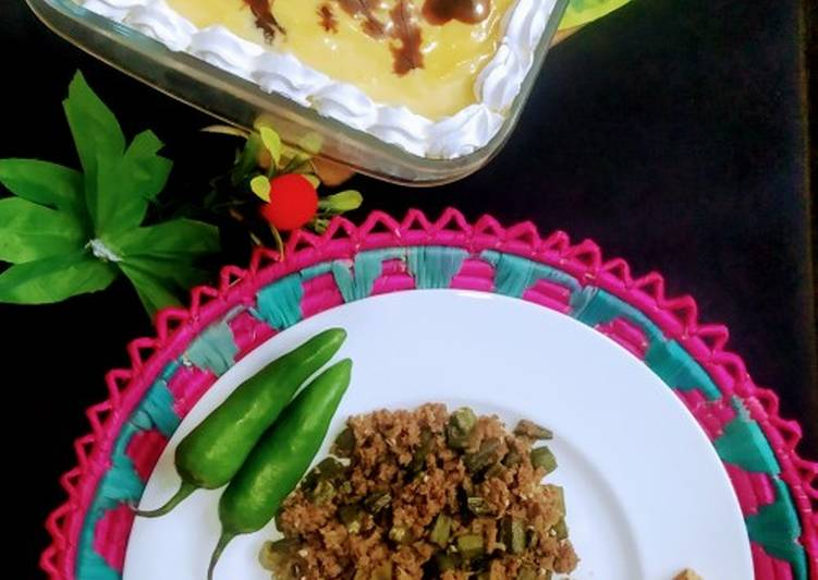 Steps to Make Favorite Bhindi qeema with chapati and coffee lufay😍😍😍