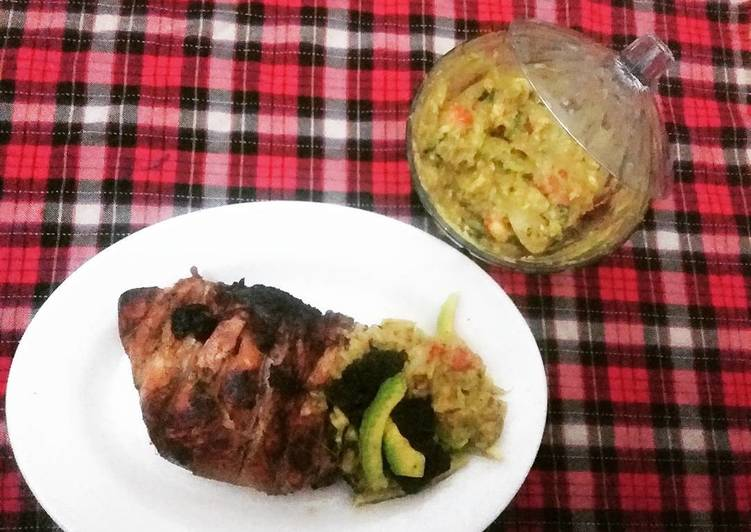 Roasted Chicken breast with guacamole sauce