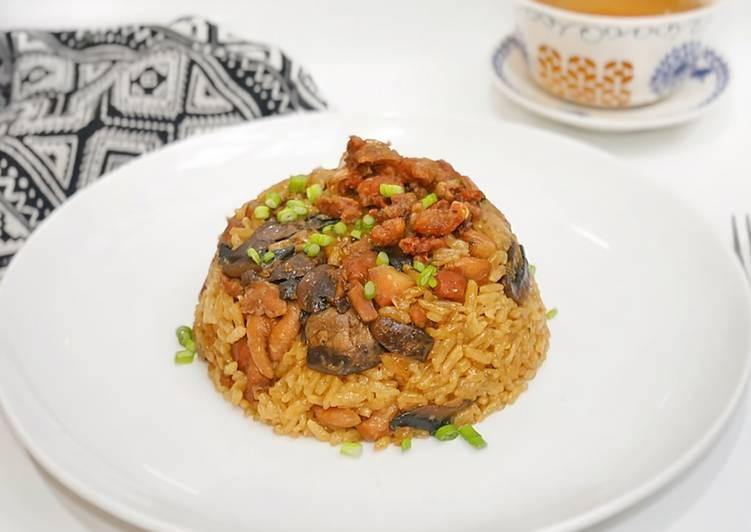Nasi Tim Ayam Jamur (Topping Crispy)