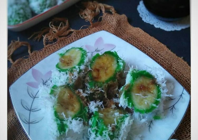 Pisang Rai (jaje khas Bali)