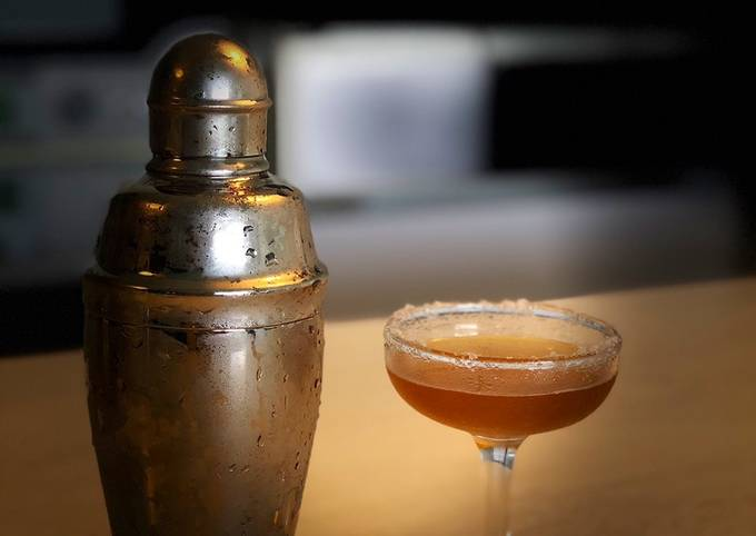 Sidecar: a French cocktail