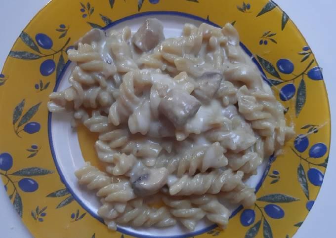 Yummy Creamy Mushroom Pasta
