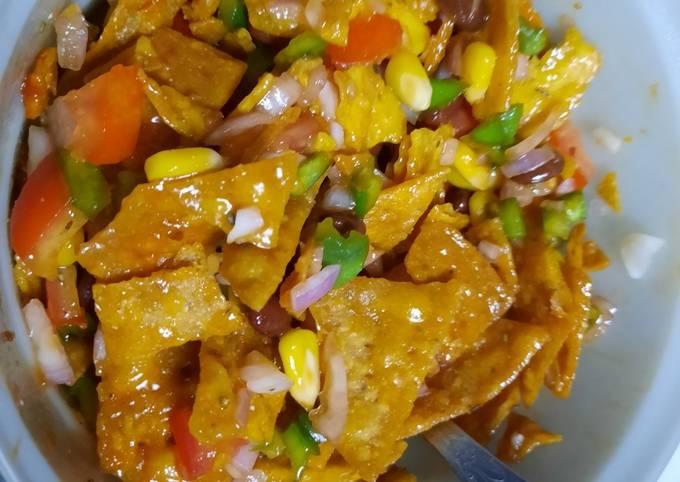 Healthy nachos salad