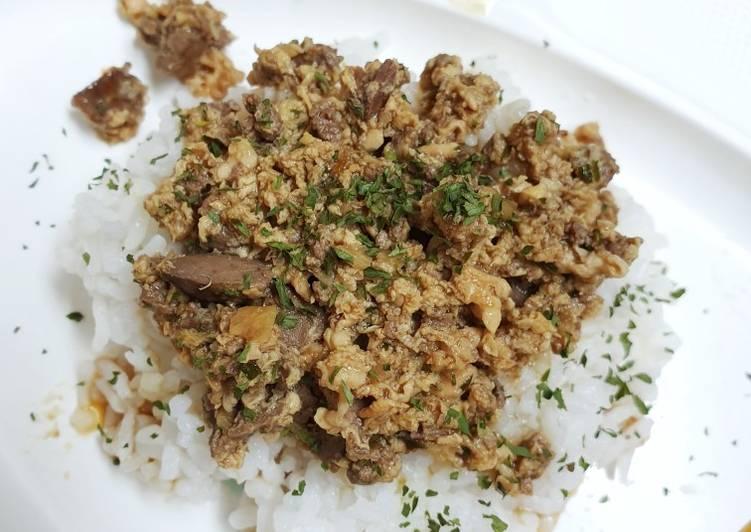 Bagaimana Membuat Nasi tim ati ayam kecap yang Lezat