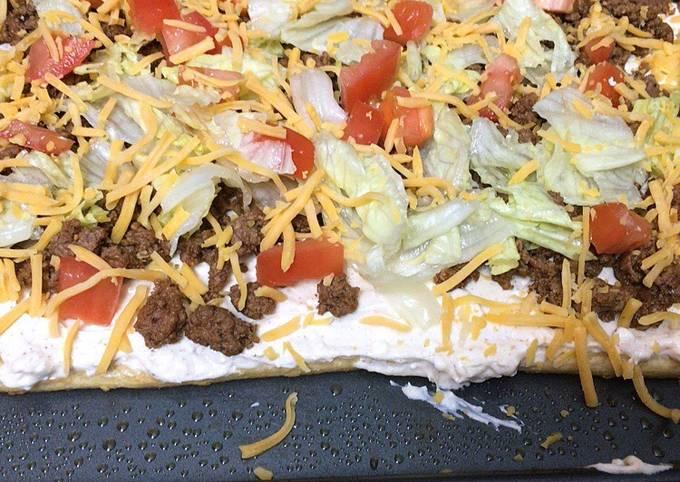 Mini taco pizza
