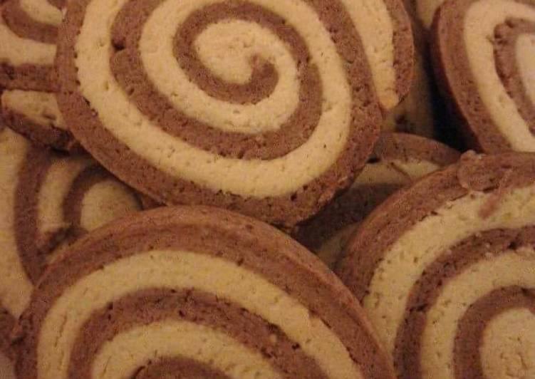 Biscotti di pasta frolla a spirale