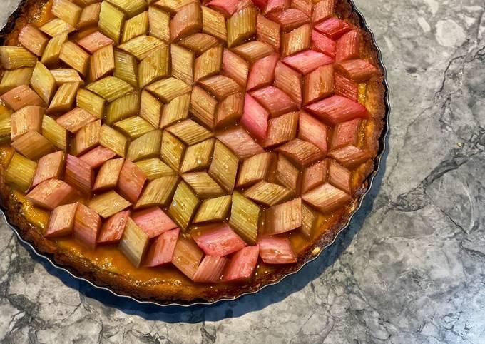 Geometric rhubarb tart with vanilla custard and shortbread crust