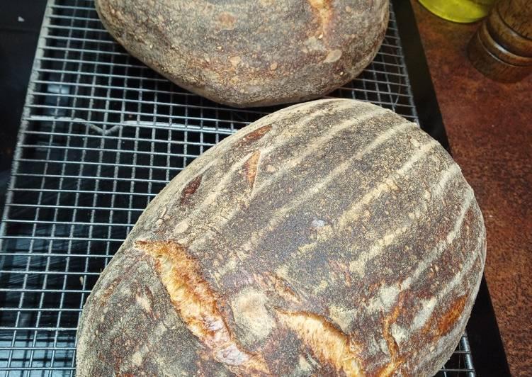 Sourdough Bread (100% white,15% Spelt, Roast Garlic & Rosemary)