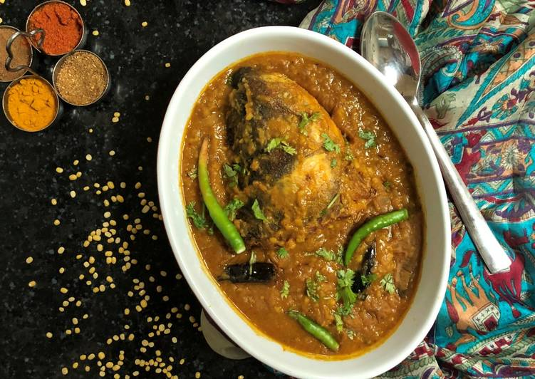 Simple Way to Make Favorite Macher Muro diye Dal (Fish Head Lentil Curry - Bengali Style)