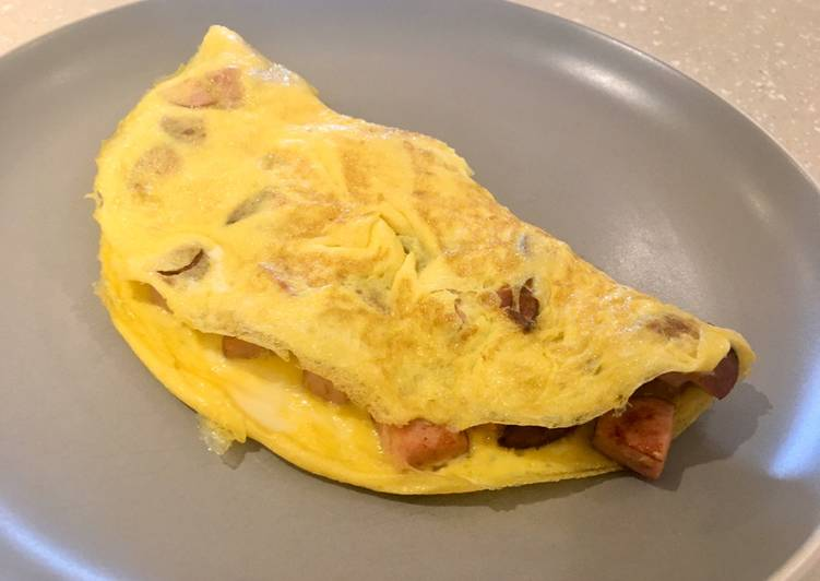 Smoked Sausage Omelette