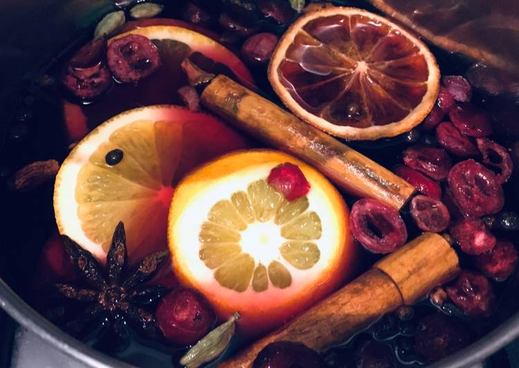 Steps to Prepare Speedy Spiced and warm mulled wine �