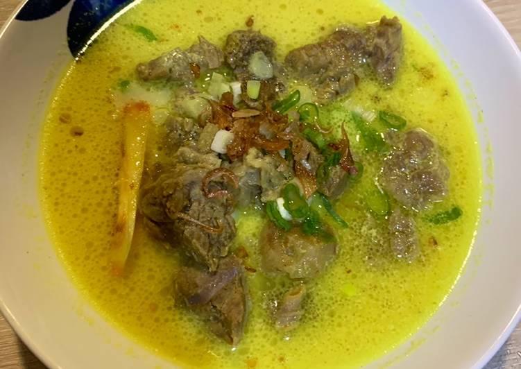 Soto Kuning Daging