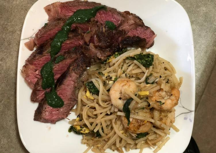 Recipe: Delicious Ribeye Mint Chutney Sauce w/ Shrimp Pad Thai