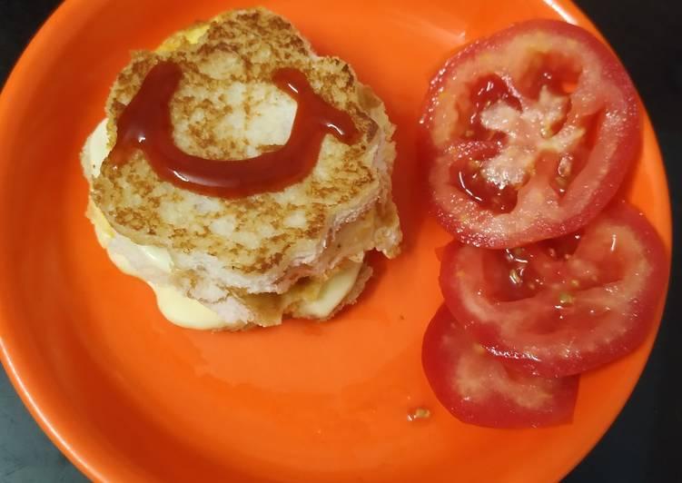 Bread omlette sandwich