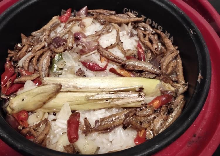 7. Nasi liwet rice cooker