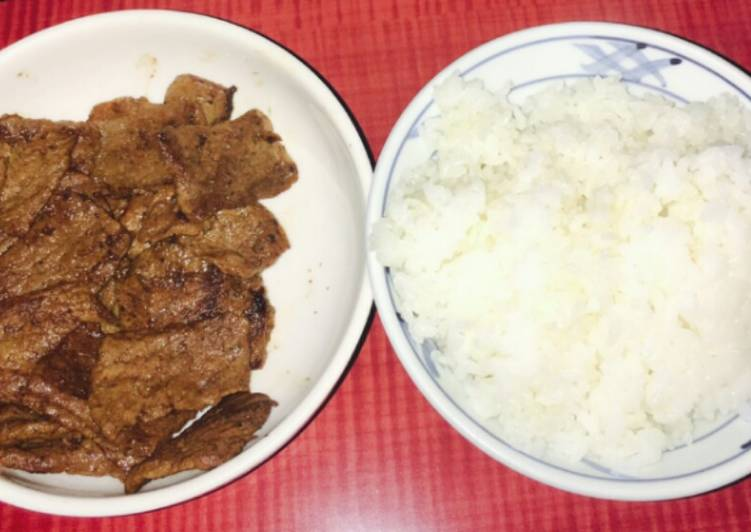 Barbecue beef with rice