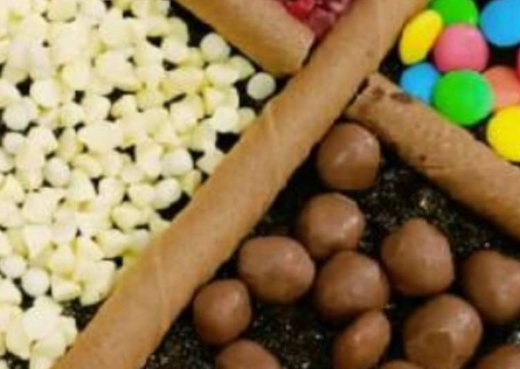 Chocolate cake with yummy toppings