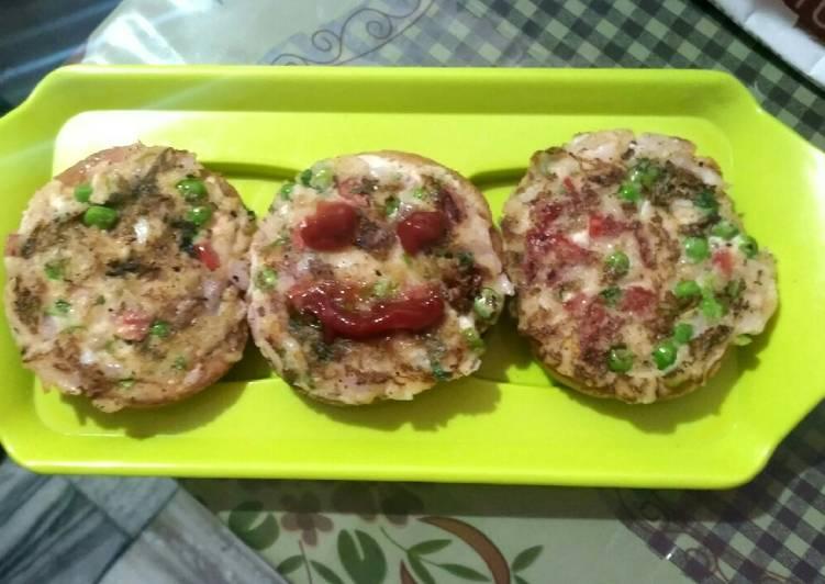 Recipe of Award-winning Suji Bread pizza