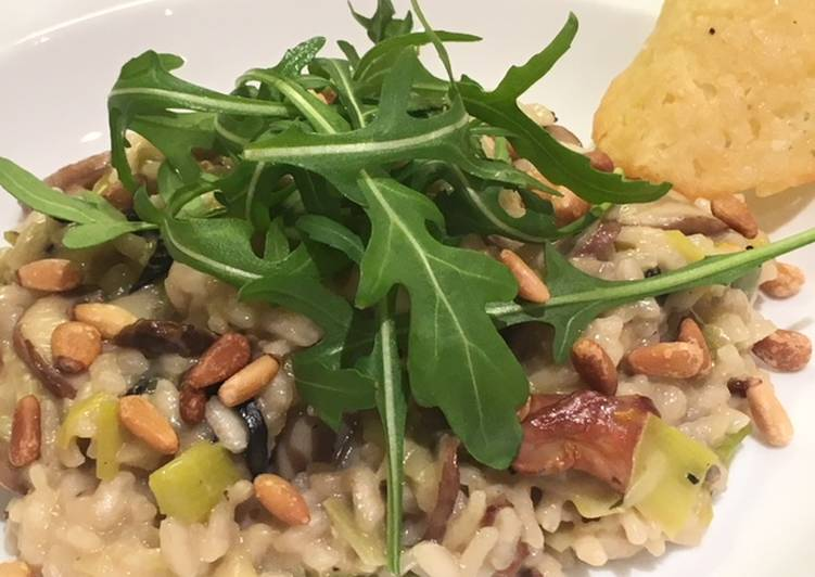Steps to Make Ultimate Risotto with leeks, mushrooms & Parmesan crisps