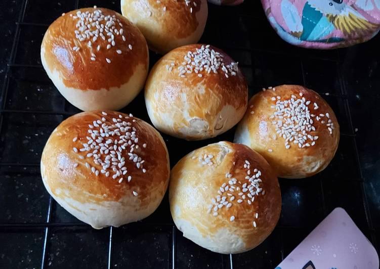 Roti bakso sapi