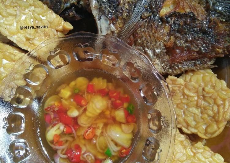 89. Ikan Nila Goreng + Tempe Goreng Sambal Matah