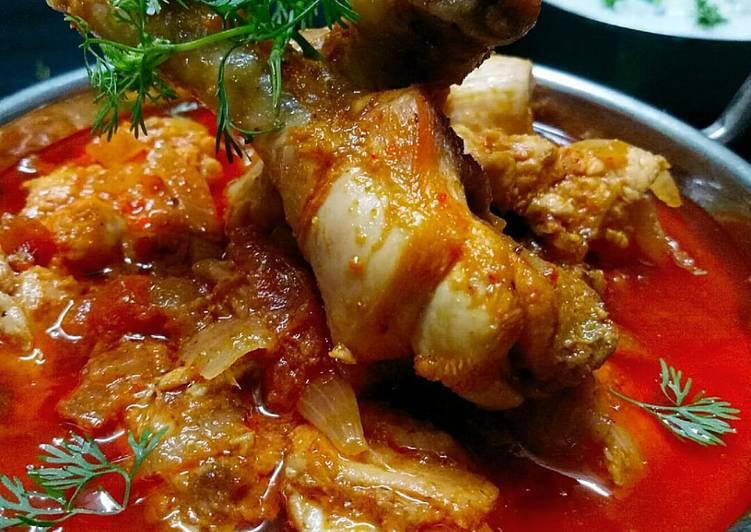 Onion Tomato chicken curry gravy