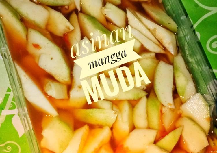 "Asinan mangga muda ""mangga manalagi"""
