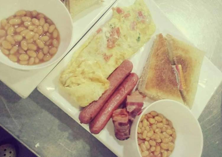 Recipe of Ultimate Omellete,sausages and baked beans