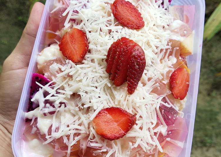 Cara Membuat Salad Buah Enak & Segar - cookandrecipe.com