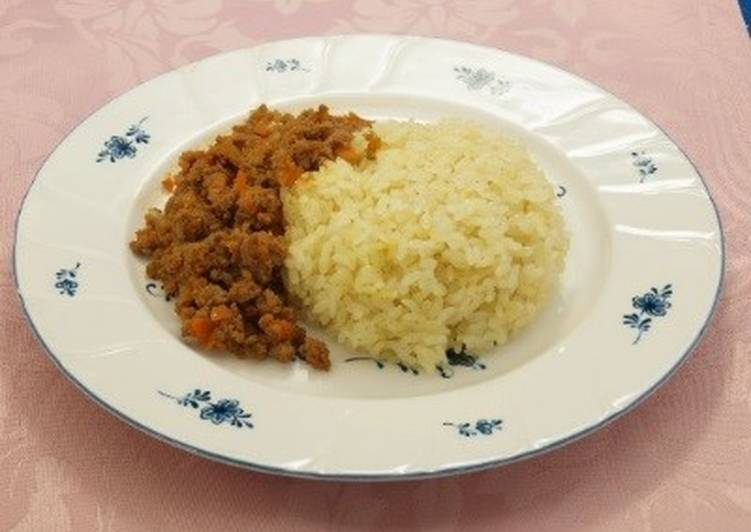 Grated apple dry-curry